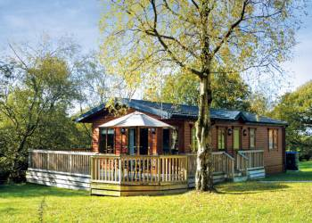 Charlesworth Lodges, Glossop