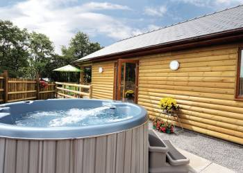Lay in a Hot Tub at Heartsease Lodges