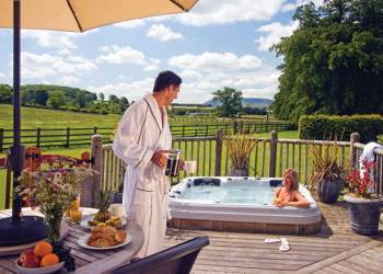 Enjoy your time in a Hot Tub at Ribblesdale Lodges