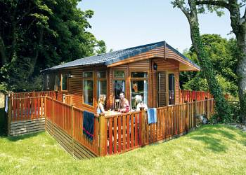 Holiday parks with lodges and hot tubs in cornwall