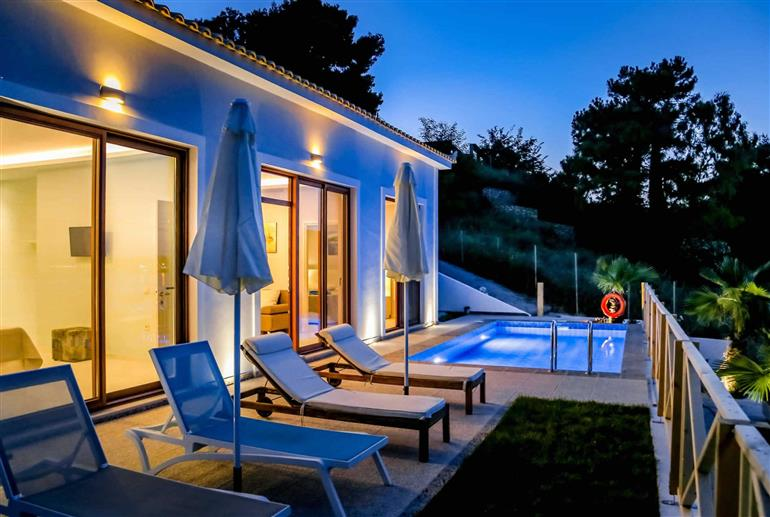 Garden and pool at Villa Agios Sostis Bay View, Laganas