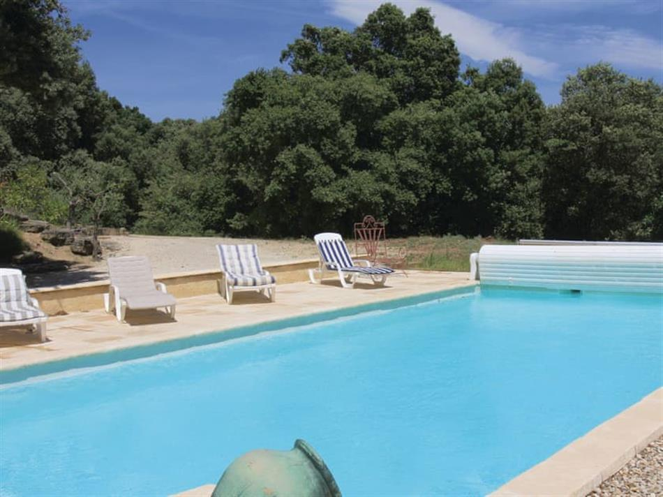 Swimming pool at Cottage des Arbres, Réauville, Provence