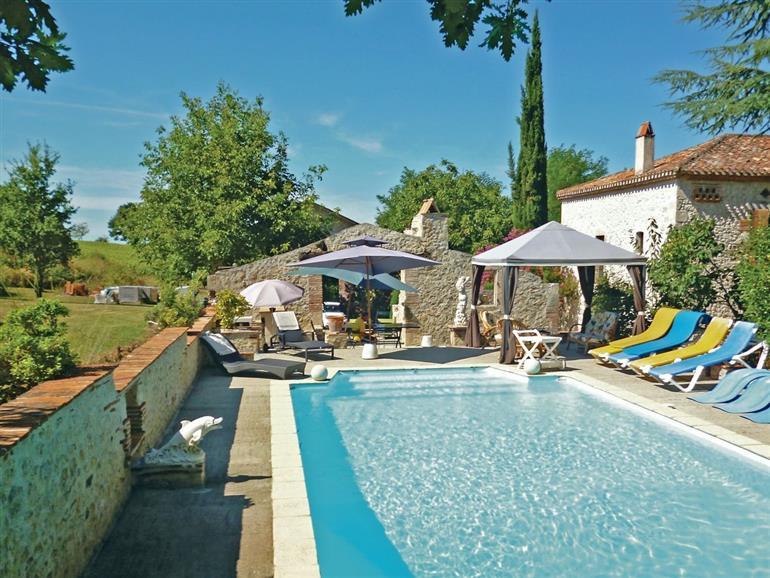 Maison D Aguillon Ref T47300 In Aiguillon Lot Et Garonne Cottage And Gites In France