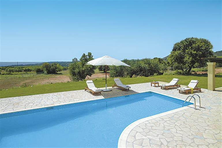 Olivia Ref 9370 In Kefalonia With Swimming Pool