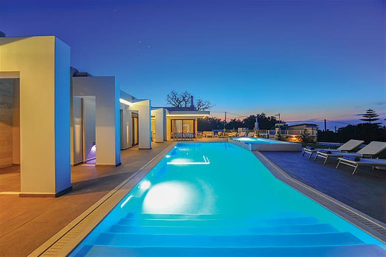 Red Oak Tree Villa Ref 10550 In Crete With Swimming Pool Villas In Prines For Couples