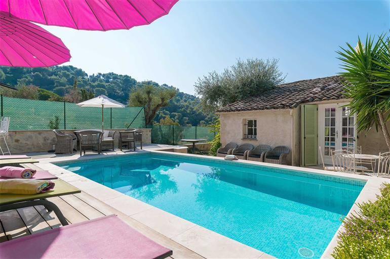 Swimming pool at Villa Lerina, Cannes